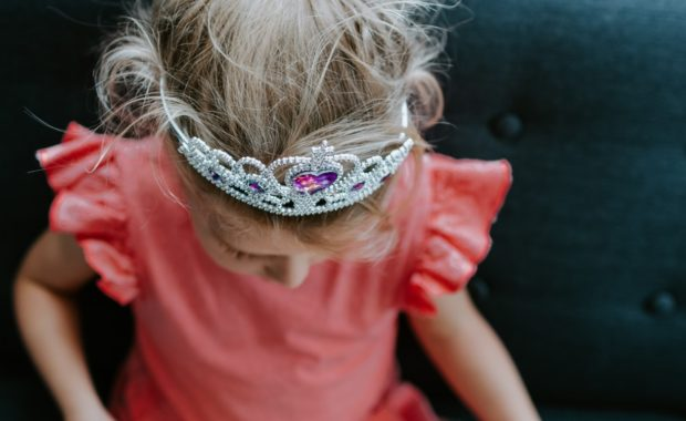 girl in tiara
